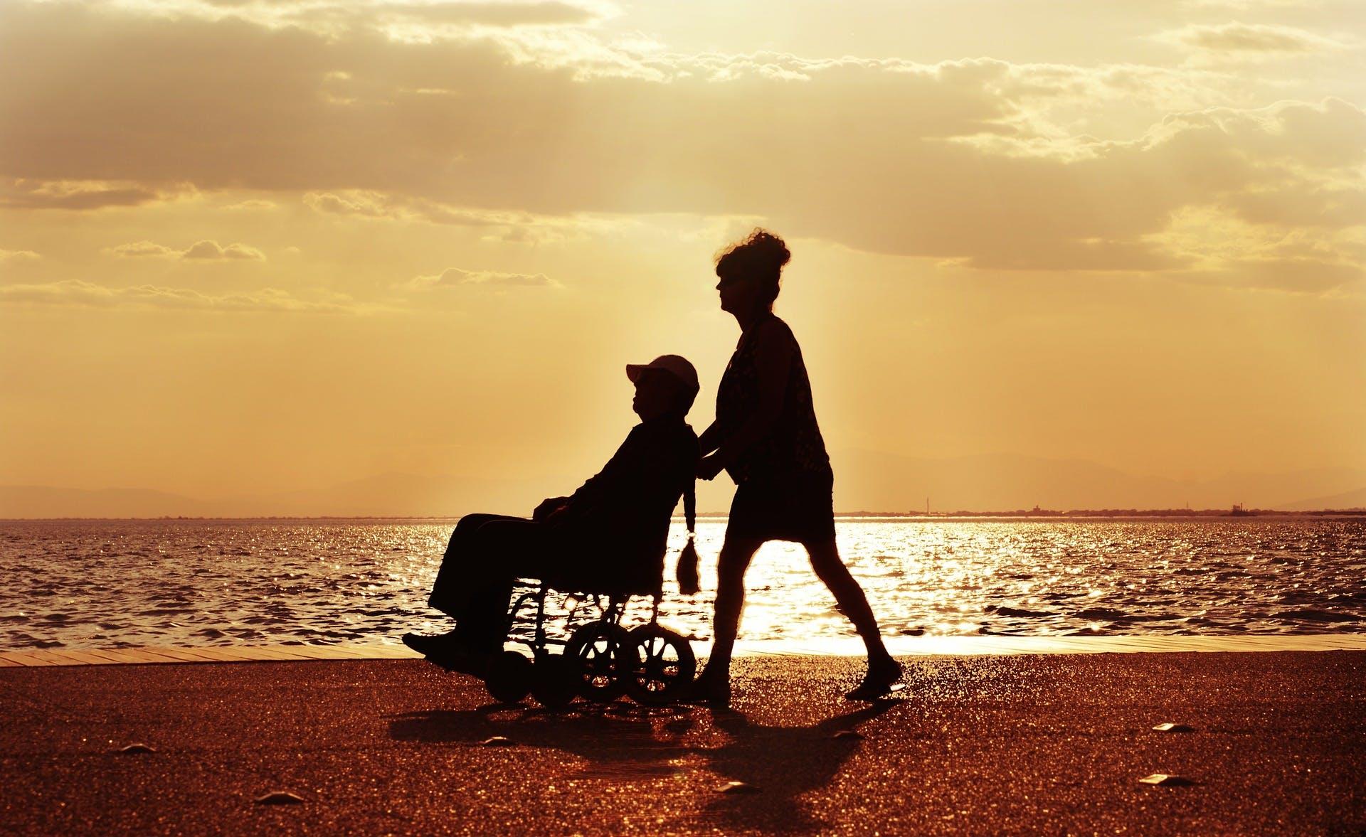 Samen naar buiten met de rolstoel