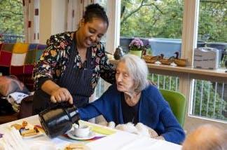 Een mooie dag voor ouderen door de hulp van H&M!