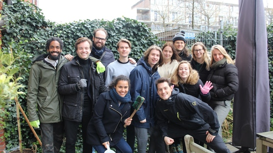 team deedmob aan het werk bij AMSTA