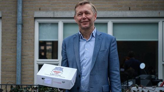 Wethouder Kees Diepenveen bezoekt en bedankt vrijwilligers van BuurtBuik Overvecht, maaltijden, tegen voedselverspilling, waardering