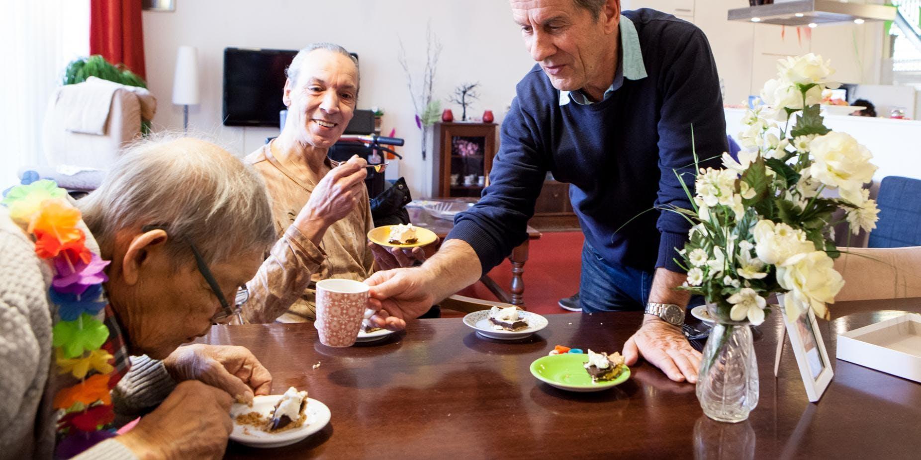 Corporate volunteering met Bouwinvest: Pannenkoeken bakken voor ouderen!